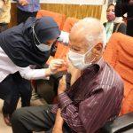 وزارت بهداشت اعلام کرد:سامانه ثبتنام واکسن برای ۷۵سالهها باز شد