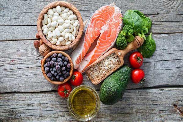 هفت ماده غذایی که خطر بیماری آلزایمر را کاهش میدهند