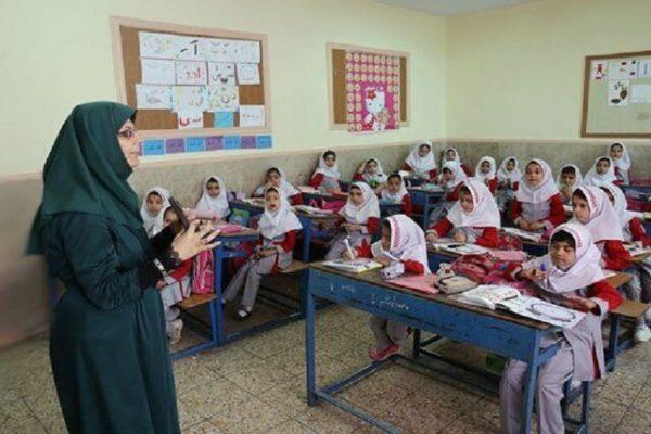مدیرکل آموزش و پرورش استان خوزستان خبر داد:توزیع تجهیزات بین هنرستانهای فنی حرفهای و کاردانش در خوزستان